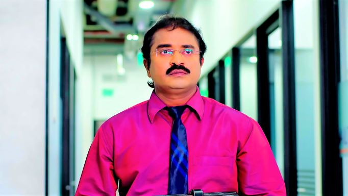 Prema Entha Madhuram 29 October 2021 Upcoming Story: Snehit steps into Arya's office