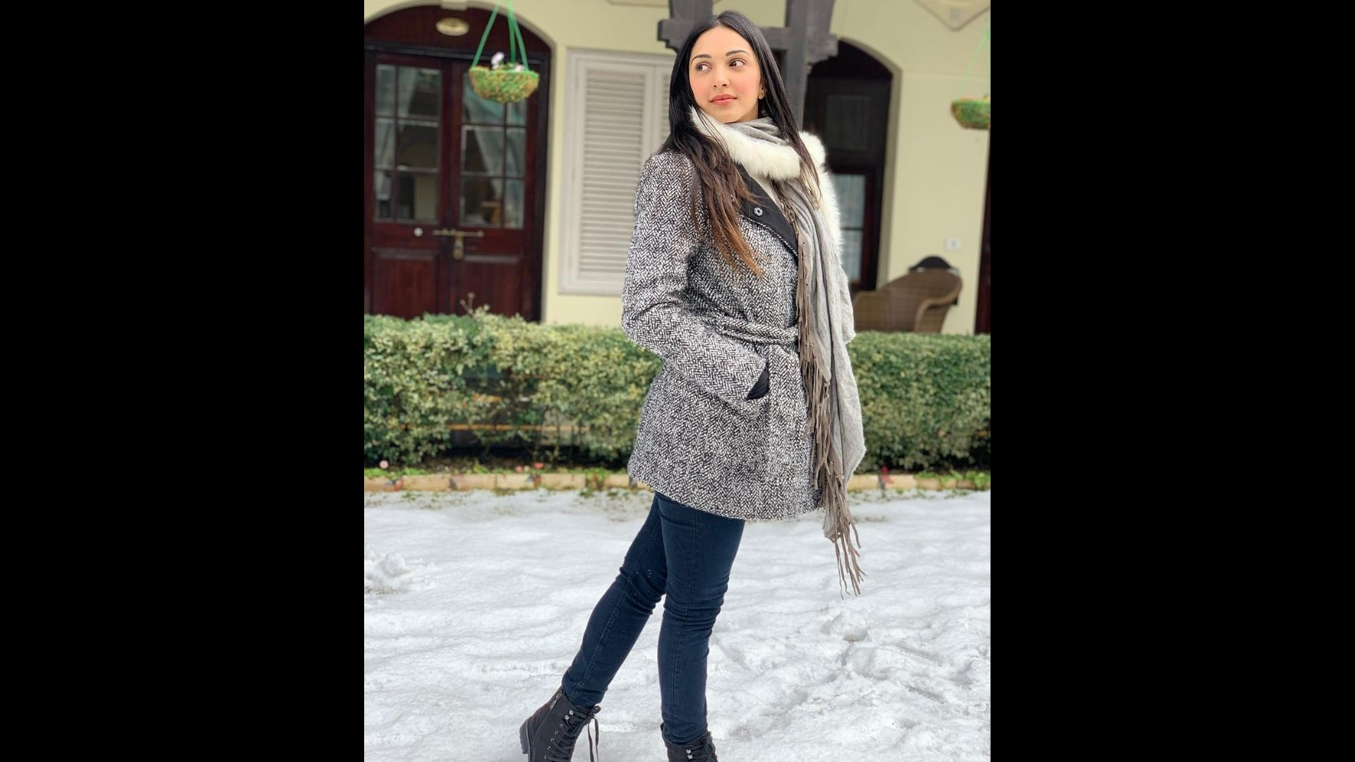 Kiara Advani Treats Fans With Boomerang Shot; Sets The Mood For Winter In Latest Clip