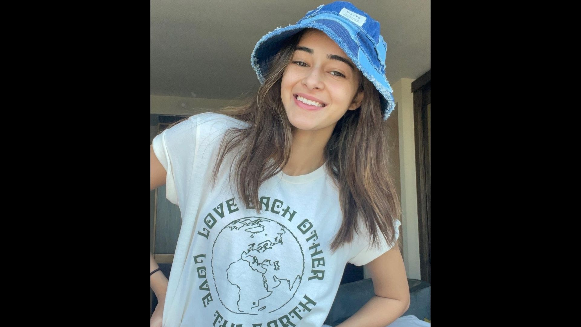 Ananya Panday Steps Into The Weekend With Yoga Classes; Actress Flaunts Her Toned Midriff In A Beige OOTD