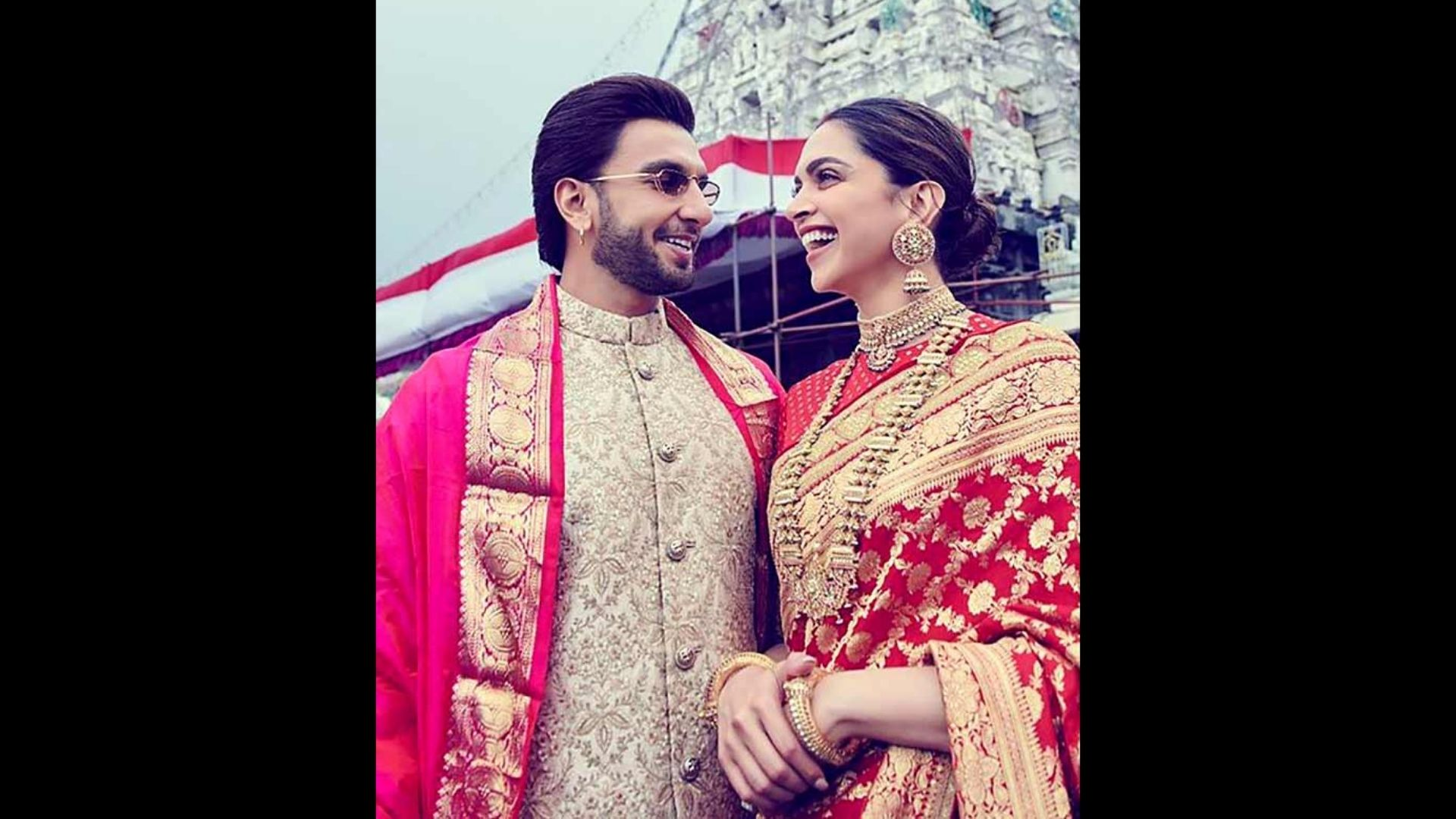 Ranveer Singh Compares His And Deepika Padukone's Love Story With A Chetan Bhagat Novel And Makes A Mushy Comment