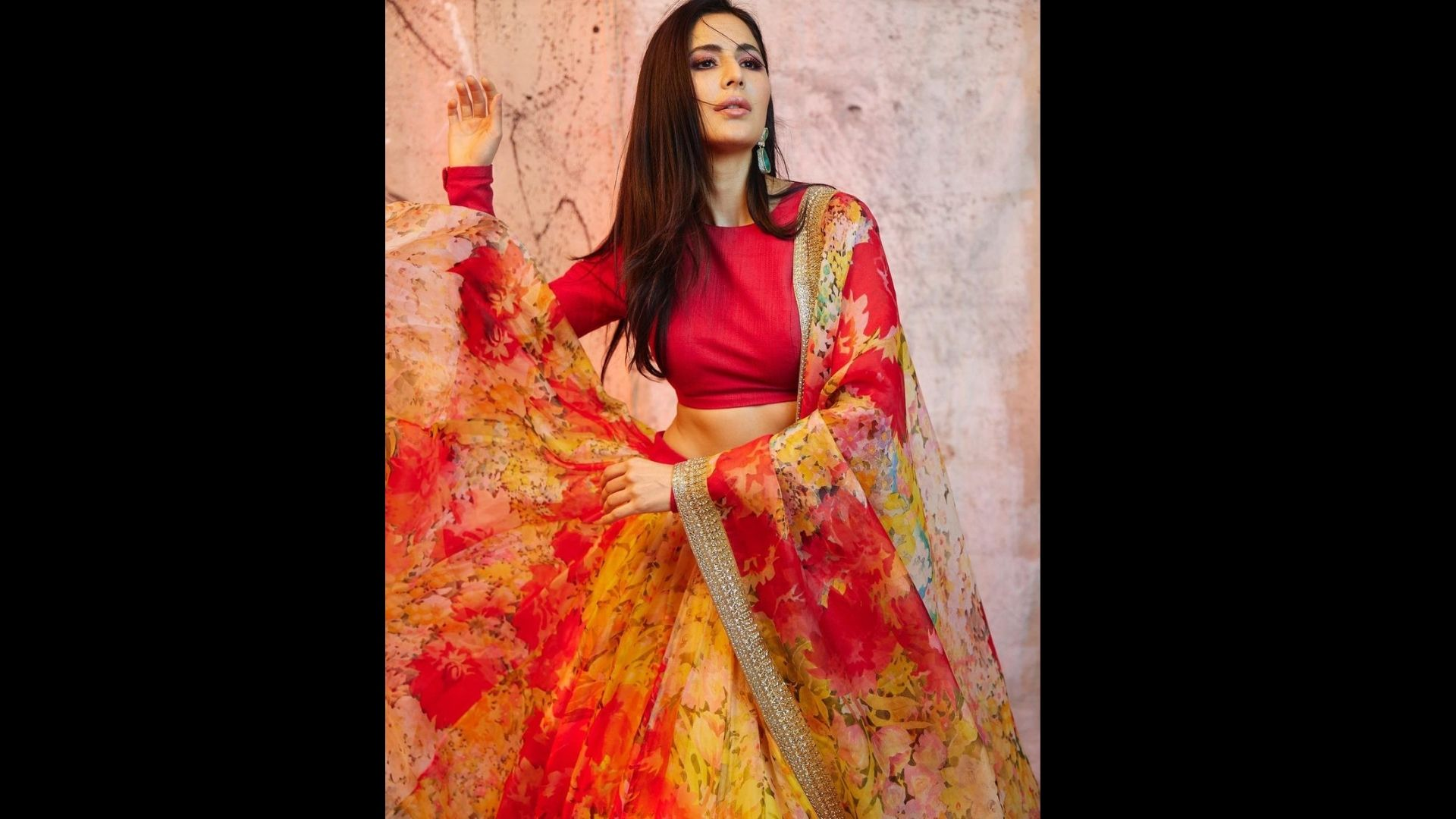 Dussehra 2021: Katrina Kaif Shares Stunning Outfit Images As She Wishes Her Fans On Vijay Dashmi And Begins Her 'Sooryavanshi Journey'