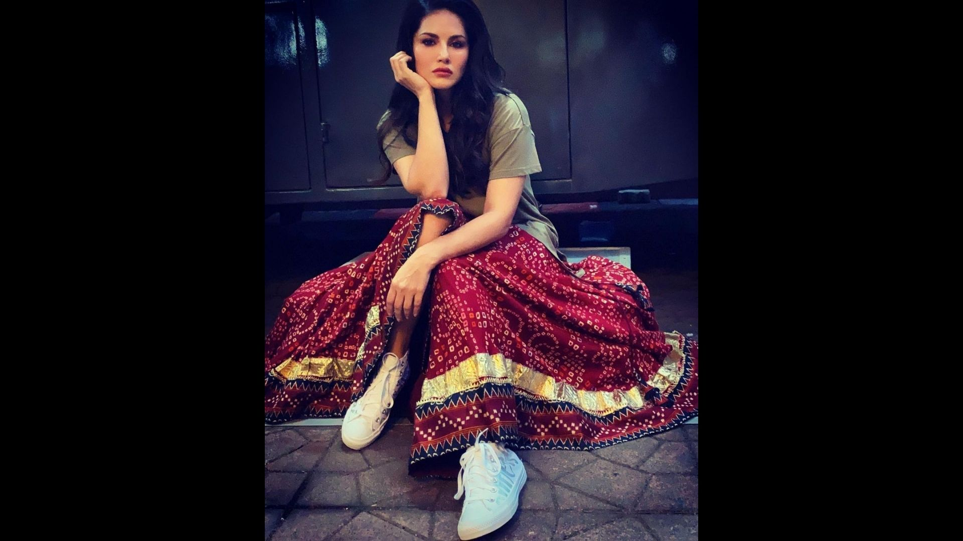 Sunny Leone's Latest IG Post Is A Perfect Blend Of Desi Meets Western- SEE PICS