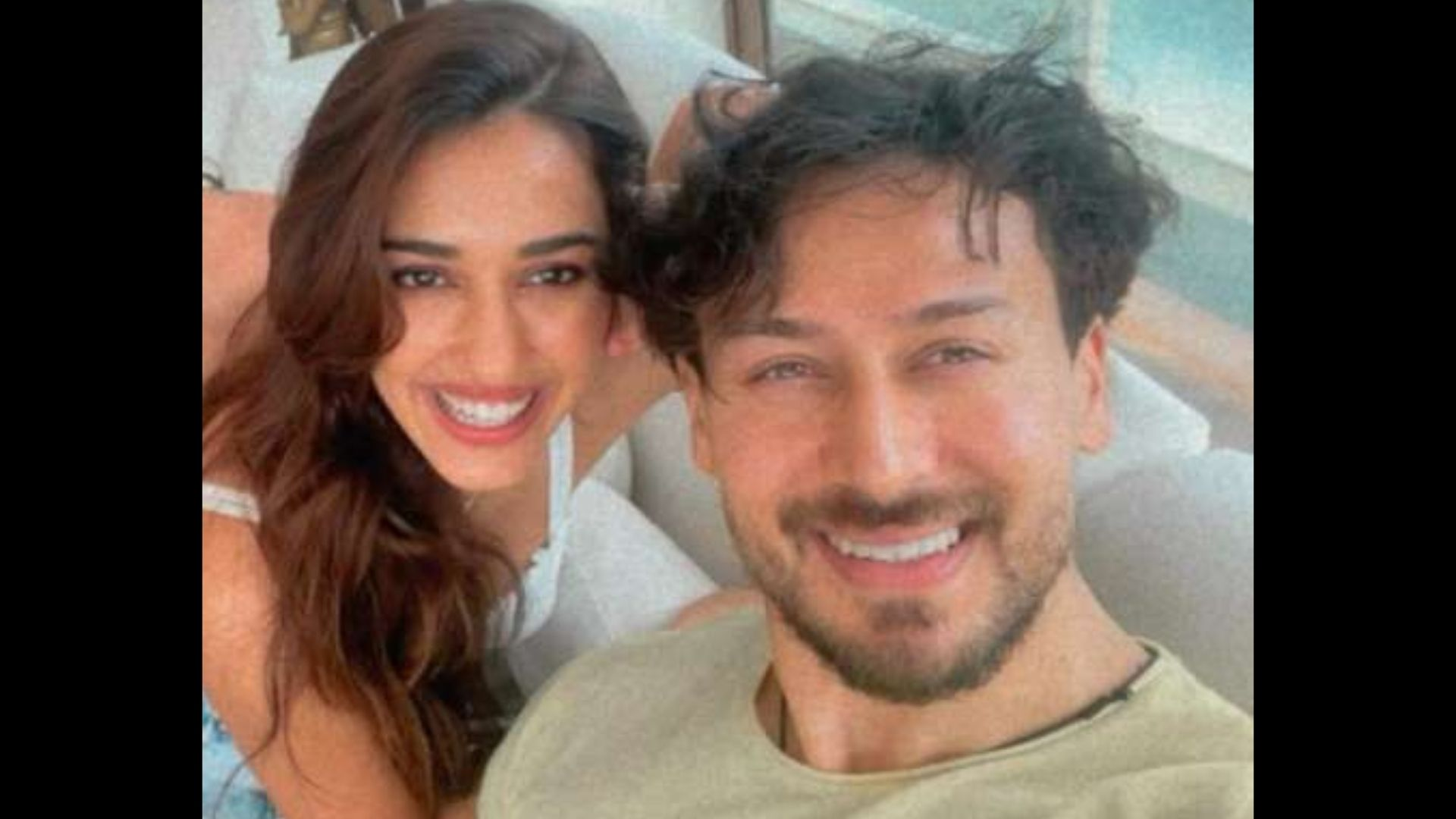 Disha Patani Gives Rumored Boyfriend Tiger Shroff A 'No Make-up Make-up Look'; The Actor Shares A Selfie
