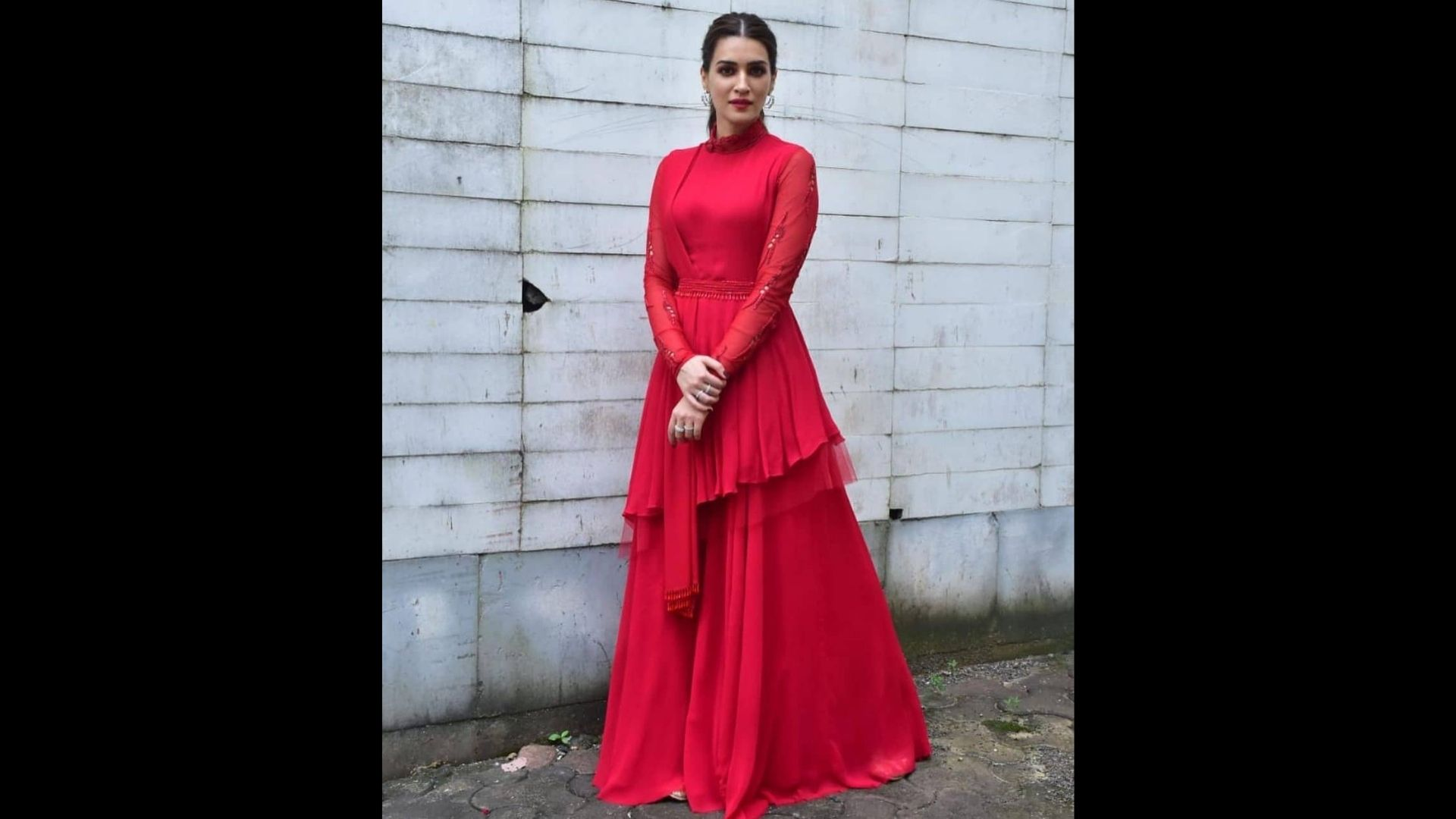 Kriti Sanon Looks Drop-Dead Gorgeous In Her Red Floral Maxi Dress; Actress Will Make You Fall In Love With Her Stunning Looks