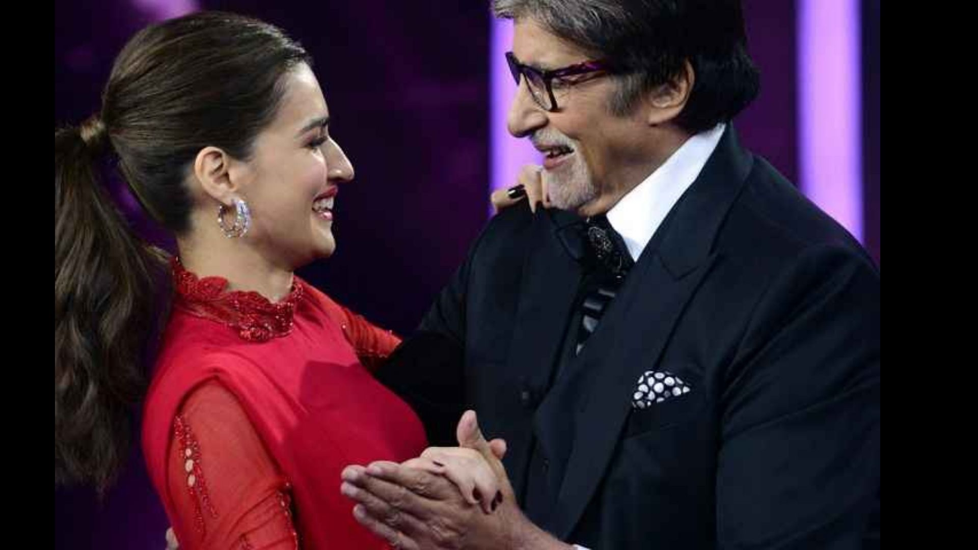 Kriti Sanon Can't Get Enough Of Amitabh Bachchan As She Grooves With Him On The KBC Stage; Pens An Adorable Note