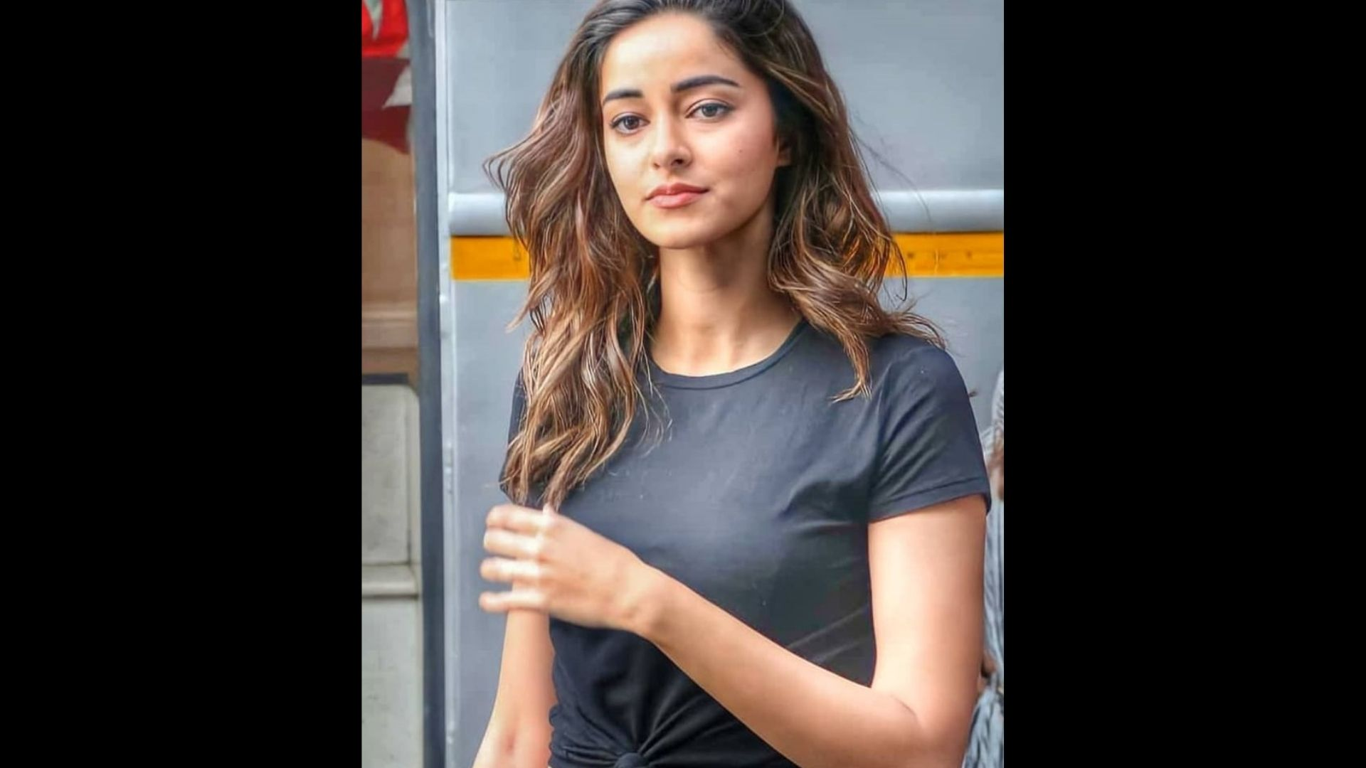 Just In! Ananya Panday House Raided By NCB; From A Bag To Electronic Devices- Here's What All The Officials Seized