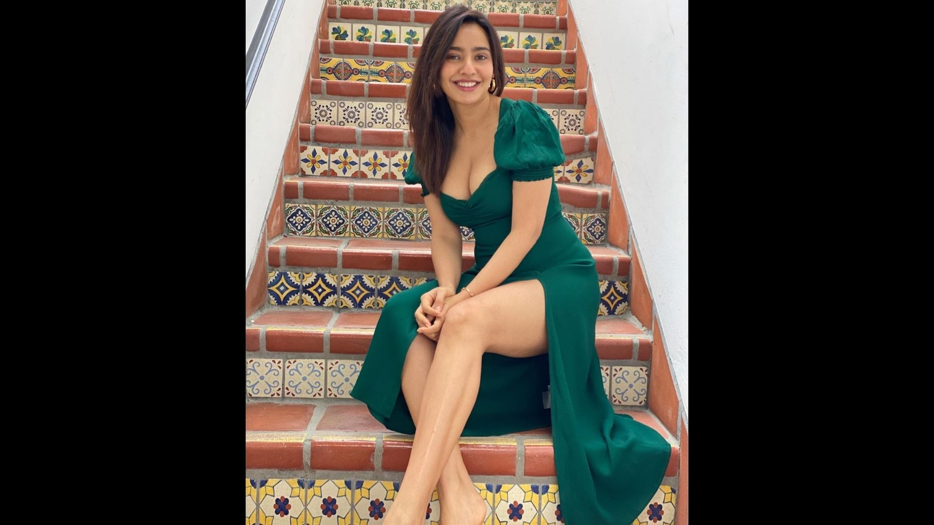 Aafat-E-Ishq: Leading Lady Neha Sharma's Top 5 Sultry Pictures That Will You Weak In The Knees