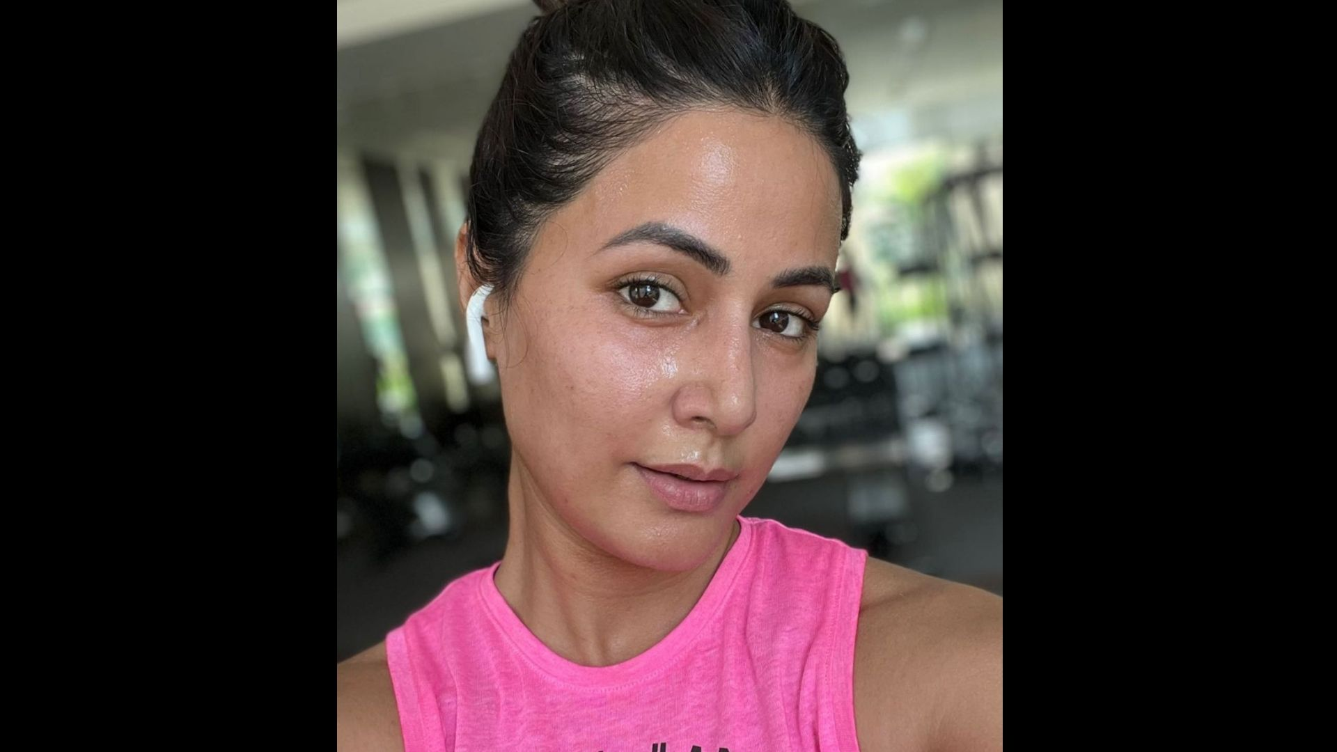 Hina Khan Shares An Inspiring Not On Gaining Weight; Says, 'Chose Mental Health Over Physical' – READ It Here