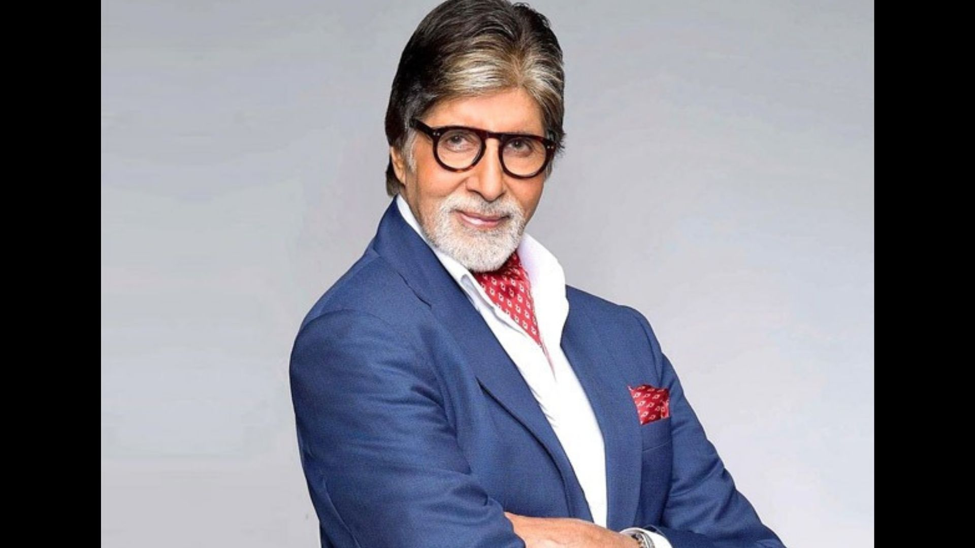 Woah! Amitabh Bachchan's Crazy Fan Paints His Entire Car With Big B's Dialogues; Megastar Shares Photos With Fan – See Pics