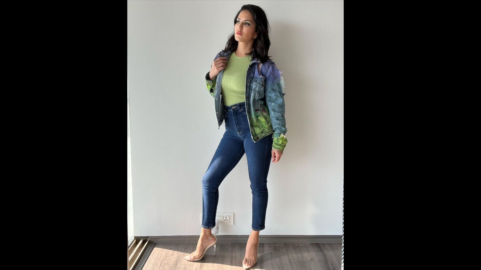 Sunny Leone Oozes Oomph Factor In A Denim Jacket And Heels; Her Cool And Casual Photos Will Make You Drool – SEE PICS