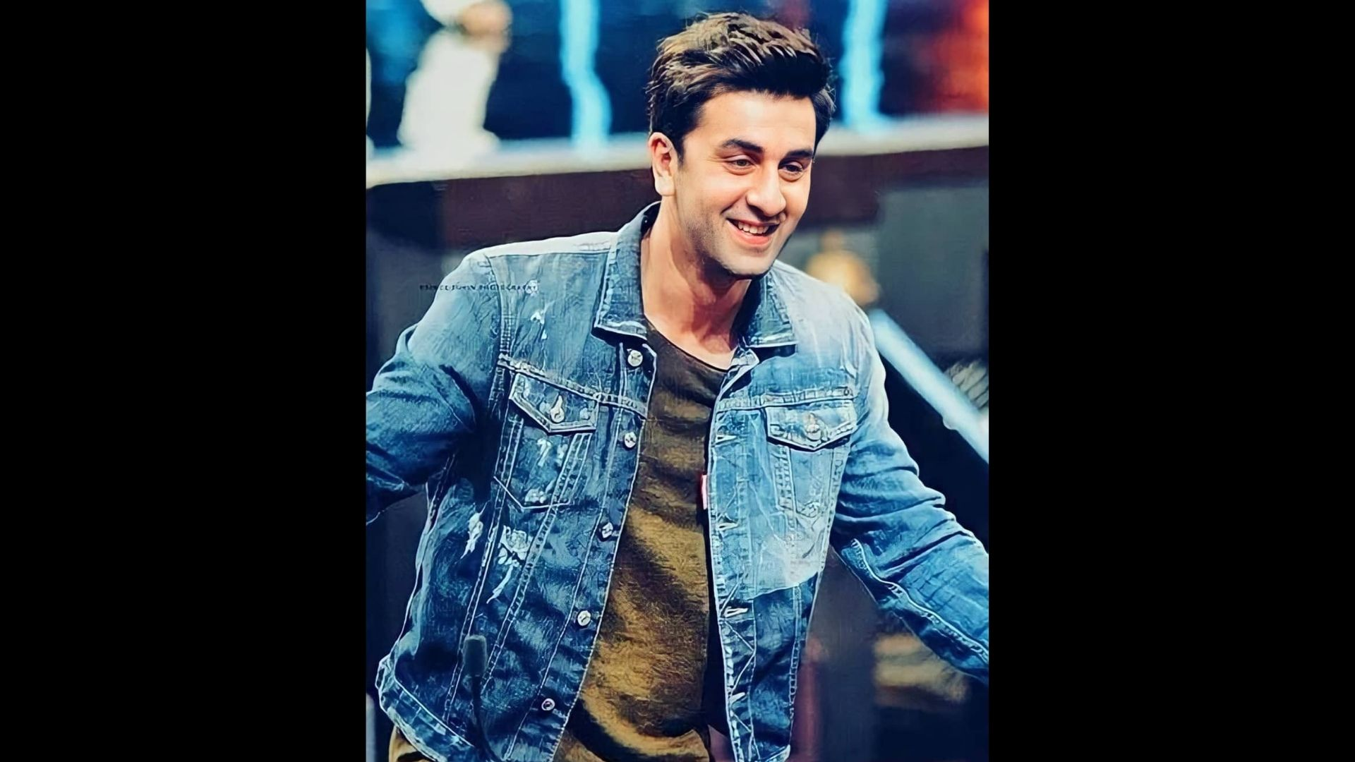 Ranbir Kapoor Kicks-off Weekend With Dance Session; Shows Victory Sign Post The Session In Style