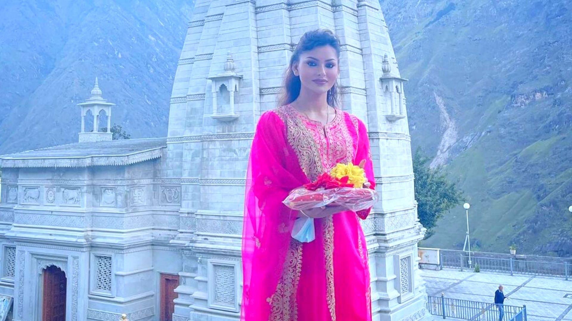 Navratri 2021: Urvashi Rautela Seeks Blessings At Joshimath Temple In Uttarakhand On The Auspicious Day Actress Sends Warm Wishes Across