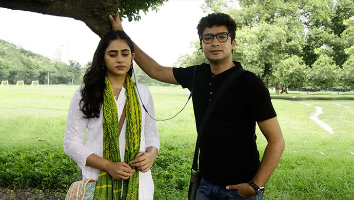 Gaurav Chakrabarty and Riddhima Ghosh in Bhalobashar Shohor: Pori